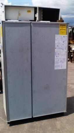 SUB ZERO REFRIGERATOR 48 - PANEL READY - WORKS PERFECT $700