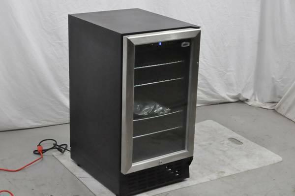 Summit Commercial Scr1841 18 Quot Built In Beverage Center