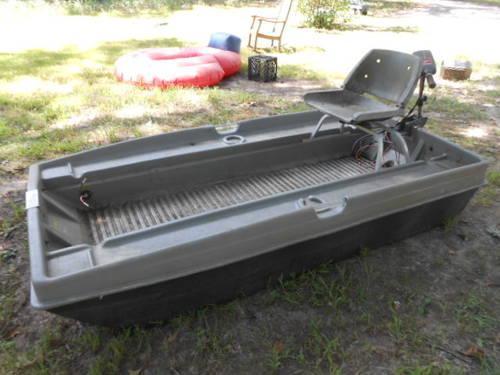 Sun Dolphin Sportsman Two Seat 8 39 7 Fishing Boat W