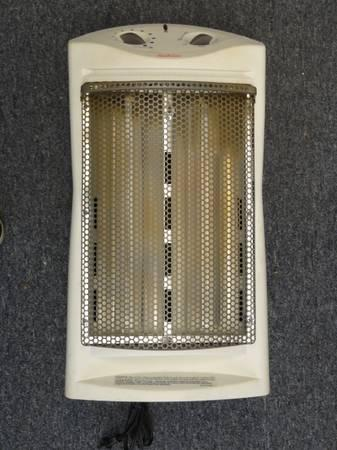 Sunbeam Radiant Heater Thermostat Tower Quartz Room Air Fan Heat 1500 - $35