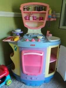 SWEET MAGIC KITCHEN W/ TONS FOOD - $100 (SIMI VALLEY)