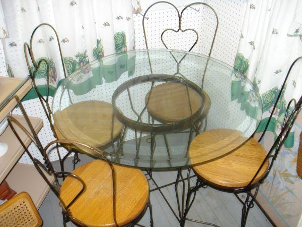 Table and 4 Ice Cream Chairs - $175 New Minden IL