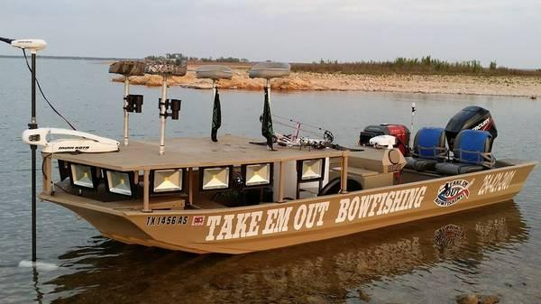 Take em out bowfishing guided trips for sale in waco for Guided fishing trips in texas
