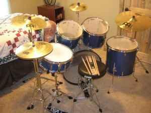 Tama 5 Piece Drum Set Plus Cymbals  Stool - $600 Bozeman