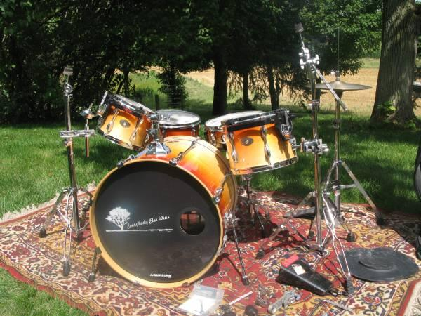 Tama Rockstar Drum set w Enduro Cases  hardware and extras - $895