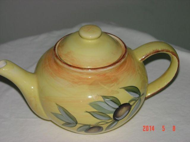 Tea pot made in Spain