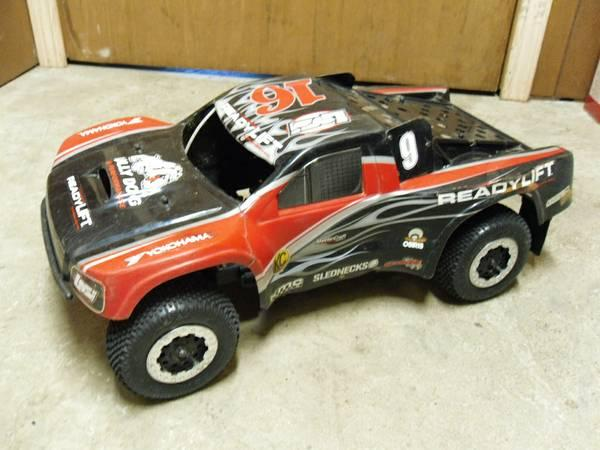 Team Losi SCTE 4x4 Short Course RC Truck - $275