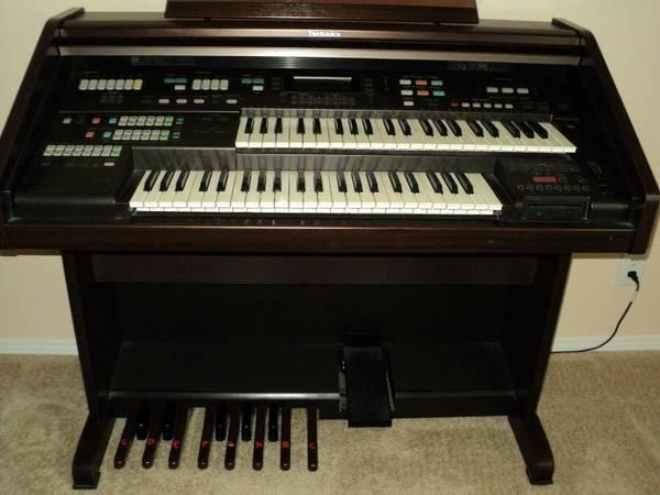 TECHNICS EA3 Digital Electonic Organ Piano Music - $750