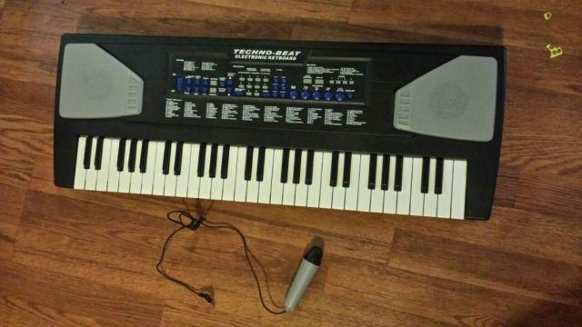 Techno Beat Electronic Keyboard W Microphone For Sale In