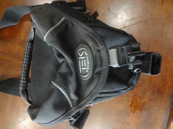 Tek by tamrac camera bag - $10