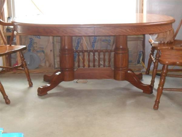Tell City Kitchen/Dining Table And Chairs   $800 Part 9