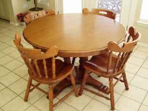 TELL CITY TABLE & CHAIRS - (ODESSA) for Sale in Odessa ...