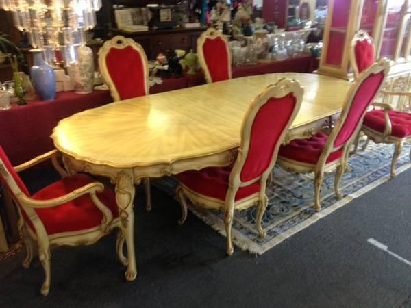 The Hoke Furniture Company Dining Set Hutch For Sale