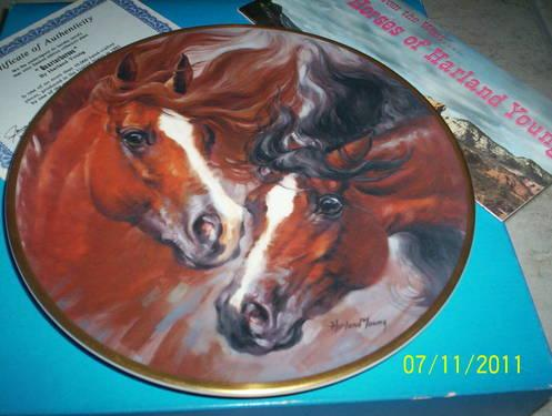 THE HORSES OF HARLAND YOUNNG 1982 LE COLLECTORS PLATE -