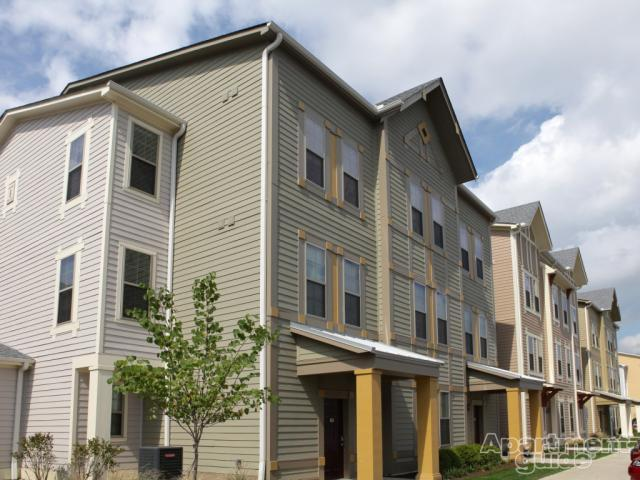 the townhomes at newtown crossing for rent in lexington