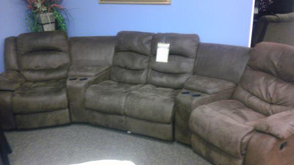 The washington theater sectional aaron39s sales lease for Sectional sofas aarons