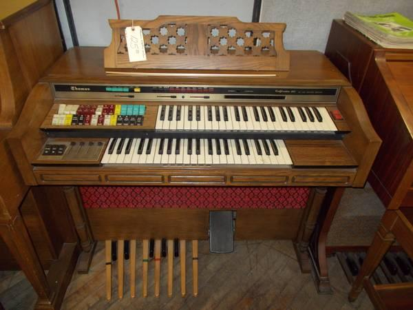 Thomas Electric Organ for Sale in Greenwich