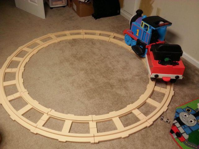 Thomas & Friends - Battery Operated Track Rider Train