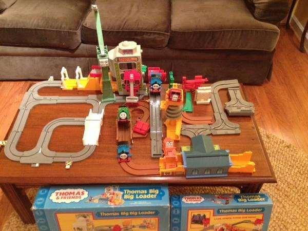 Thomas the Train Big Loader  Big, Big Loader - LOTS of extra pieces - $15