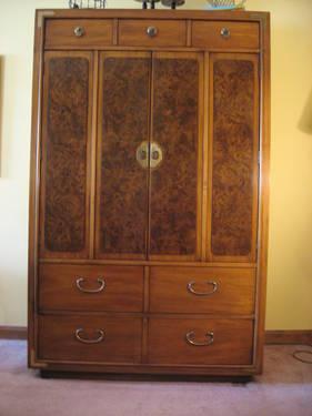 thomasville 6 pc bedroom queen bed dresser armoire night