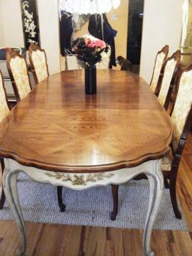 Thomasville Dining Room Set 8 Chairs 2 Hutches Table