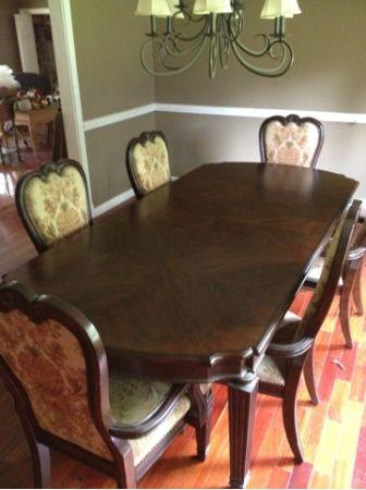 THOMASVILLE DINING ROOM TABLE AND CHAIRS Cherryville For Sale In Hickory