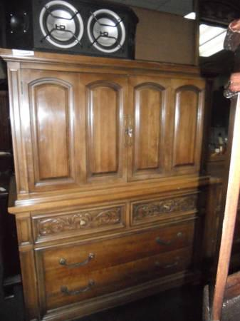 Thomasville Dressers With Mirrors For Sale In Indian