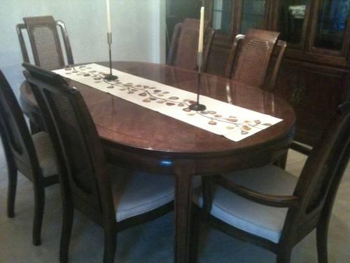 Thomasville Mystique Dining Room Set Table Chairs Server China Cab