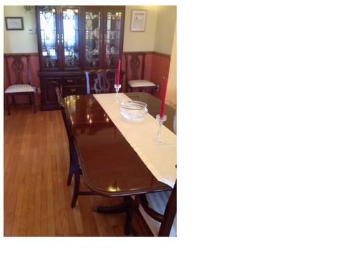 Thomasville Queen Anne Style Dining Room Set For Sale In