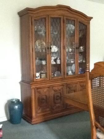 Thomasville Table Chairs China Cabinet For Sale In South Haven Michiga