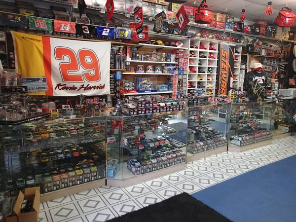Thousands of NASCAR diecast cars 124 scale in Gainesville - $15