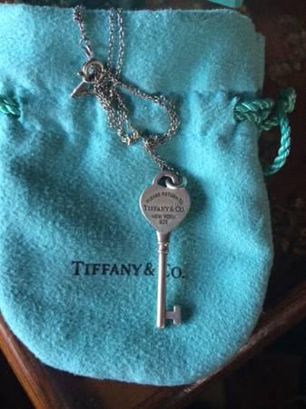 Tiffanys keys return to tiffany heart key necklace for sale in tiffanys keys return to tiffany heart key necklace aloadofball Image collections