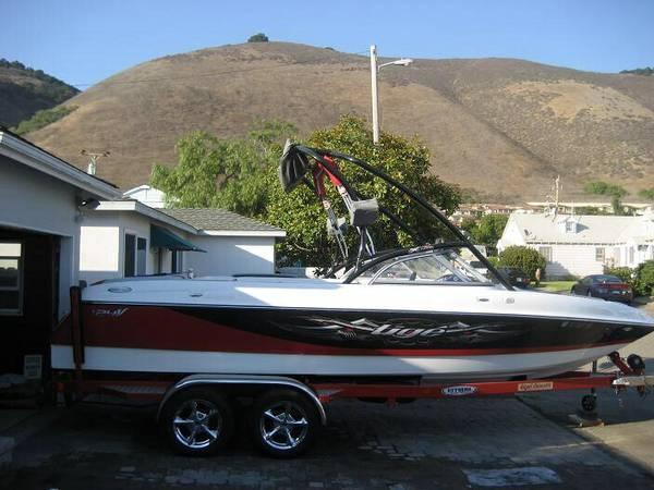 Tige 2006 24V Wakeboard Boat - $43500