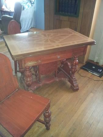 TIN TOP TABLE W/ 6 CHAIRS   $195