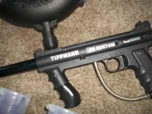 TIPPMAN 98 PAINTBALL GUN - $70 ROLAND