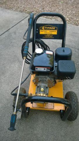 Titan 2200 Psi Gas Power Washer With 5 5 Hp Engine For