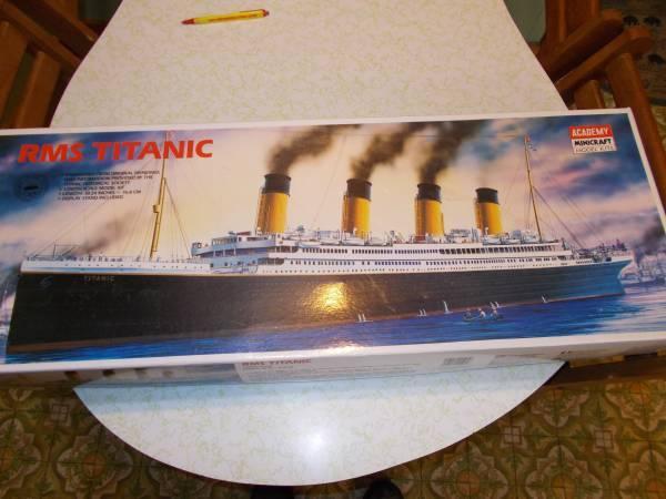 TITANTIC MODEL - $20