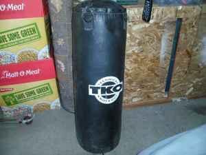 Tko Punching Bag 80 Pounds 60 Merced