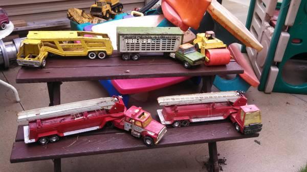 Toys For Trucks Wisconsin : Tonka trucks ertl toys sandbox for sale in lodi