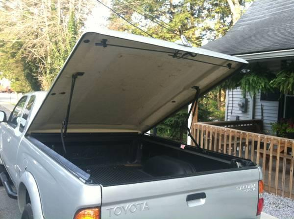 tonneau bed cover for 1st generation toyota tacoma for sale in fayetteville west virginia. Black Bedroom Furniture Sets. Home Design Ideas