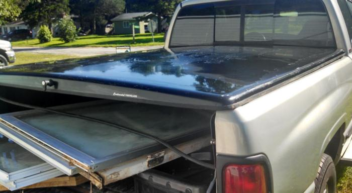 Tonneau Cover for short bed truck