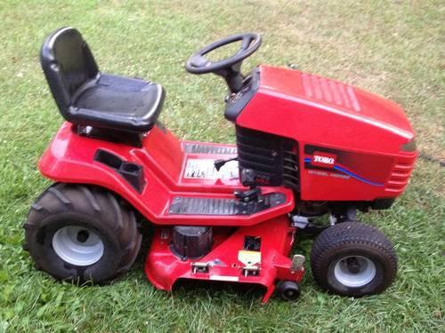 Toro 17 44HXL Hydrostatic Lawn Tractor Riding Lawn Mower