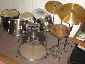 TOTALLY COMPLETE ROGERS DRUM SET - $375 METTER, GA