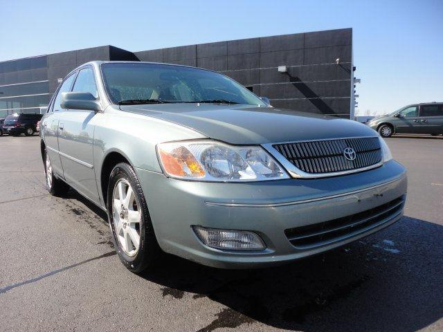 toyota avalon 2000 2000 toyota avalon car for sale in springfield il 4427123510 used cars. Black Bedroom Furniture Sets. Home Design Ideas