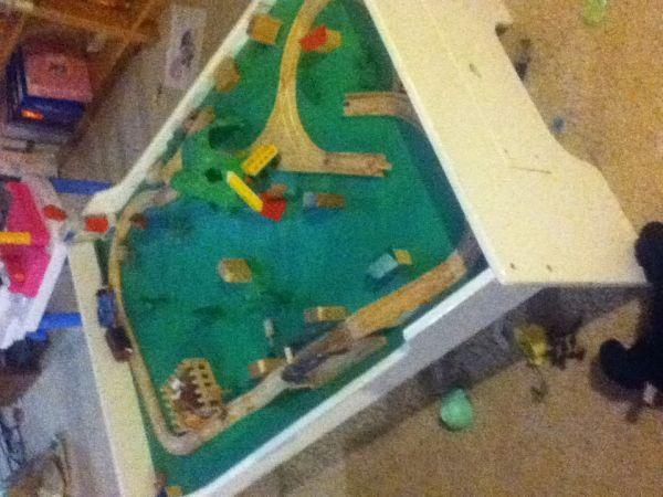 Train Table and Thomas train set - $85 (Metamora) : thomas the train table set up - pezcame.com