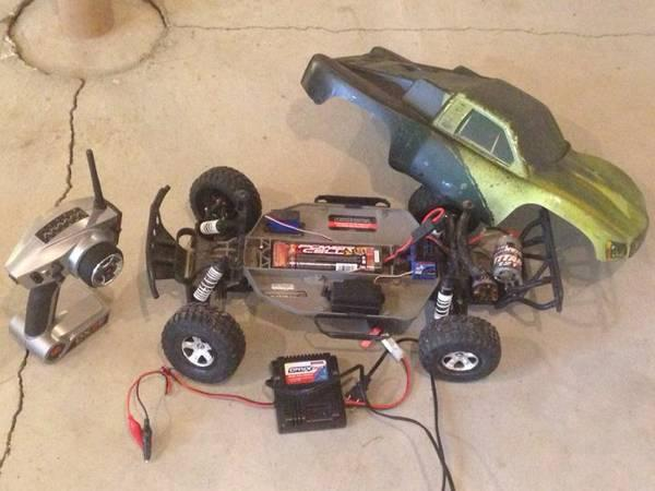Traxxas slash rc car 180$$$ extras - $180