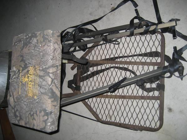 Tree Stand - Rivers Edge - $30