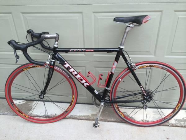 Trek 2300 Road Bike - $550