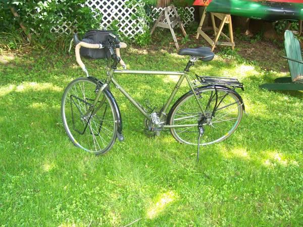 Trek 520 27 spd  58cm Touring Bike - for Sale in Syracuse