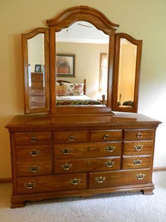triple maple dresser w mirror for sale in beloit wisconsin classified
